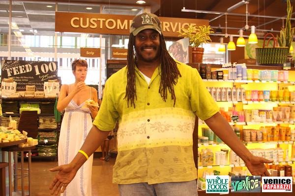 09 05 09 Whole Foods Market One Year Anniversary   Free BBQ   Customer Appreciation   225 Lincoln Blvd   Venice, Ca 310  566 9480 (401)