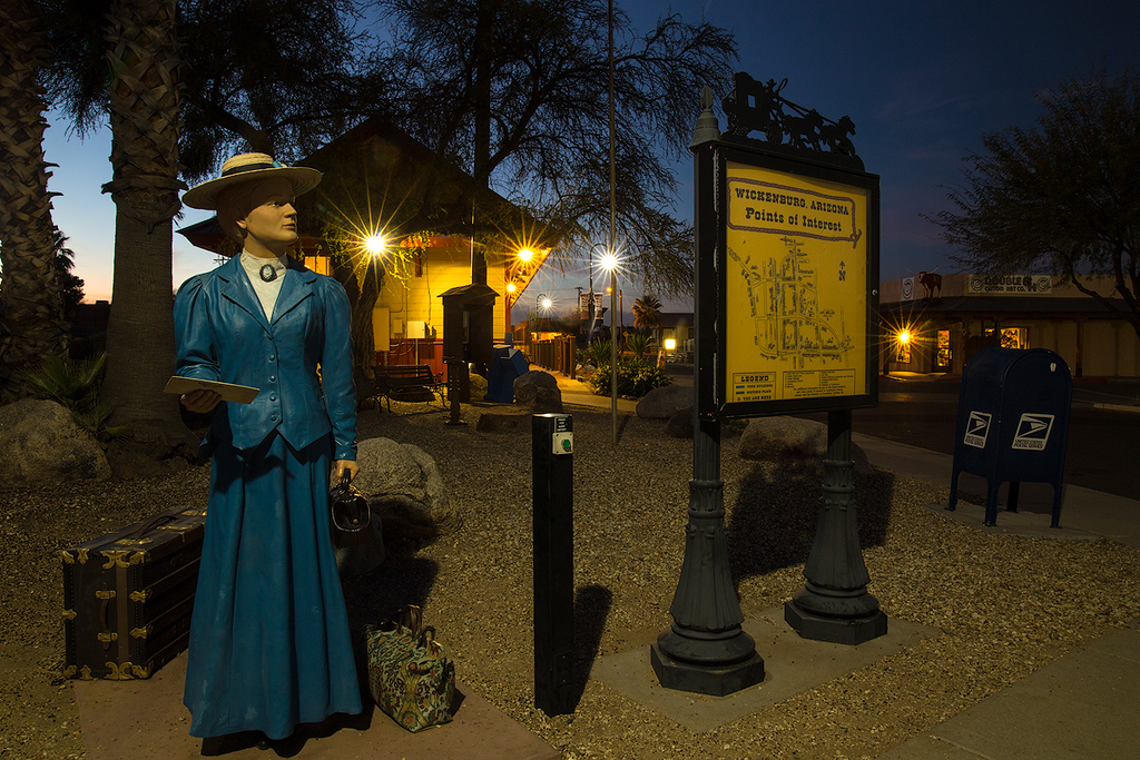 'Points of Interest' map and statue in front of the Wickenburg Chamber of Commerce