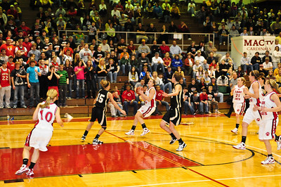 Lady Bearcats-20090304193