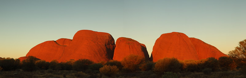 Last glow of the sun at the Olgas