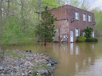 Crosswicks Creek flood 05.01.14