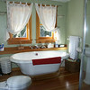 JadePalace-BathroomOrcasOct2002.jpg