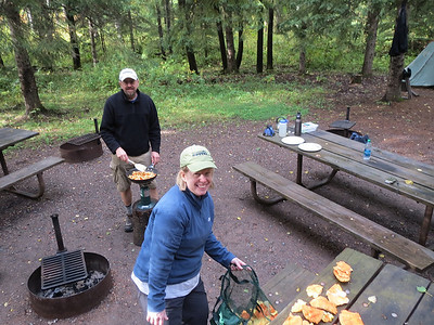 Barry and Jen lead a hike to find wild mushrooms and they hit the jackpot.