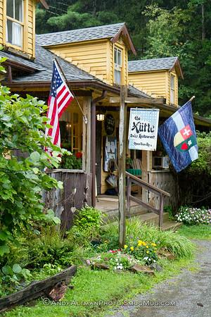 The Hutte Restaurant (1)
