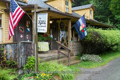 The Hutte Restaurant (2)