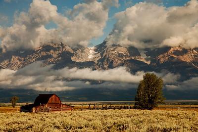 IMG_9365 barn mountains