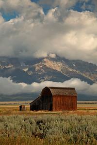 IMG_9345 barn mountain