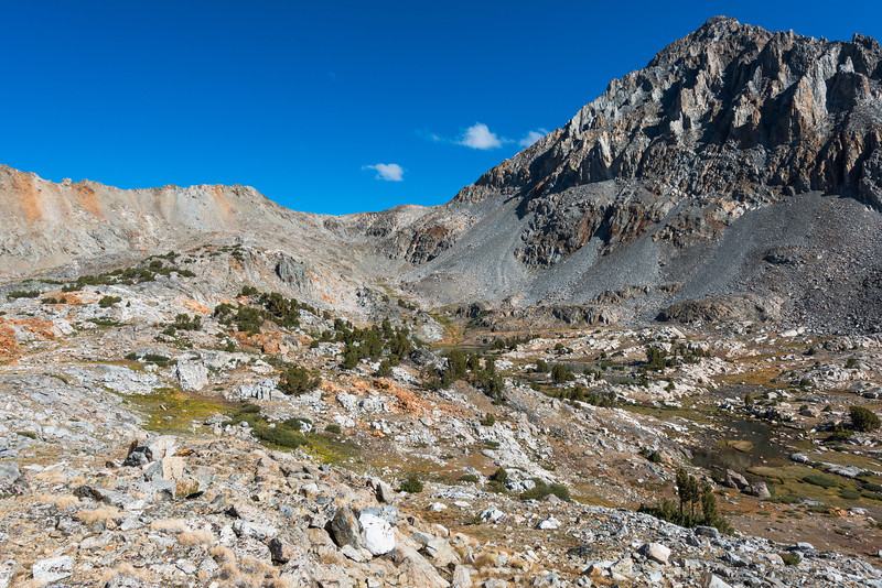A mile or so past Pinchot Pass I turned to look back. Pinchot Pass center picture.