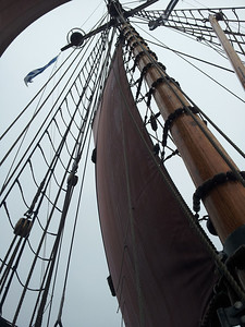 The first hoisting of the main sail