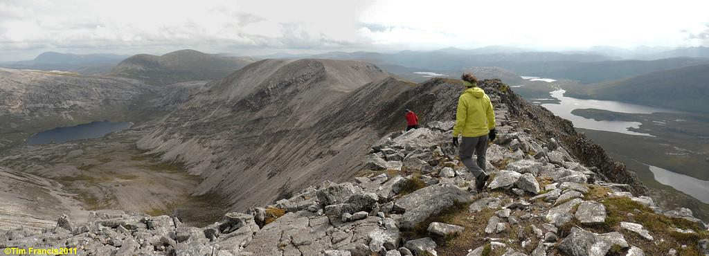 Returning back along the fantastic quartzite ridge of Arkle.