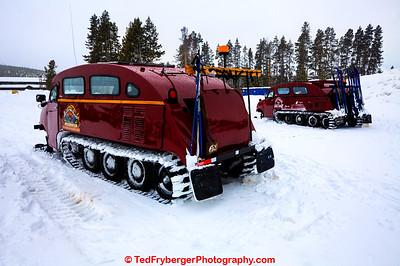 Snow Coaches Yellowstone