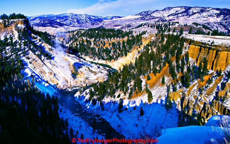 Calcite Cliffs Yellowstone