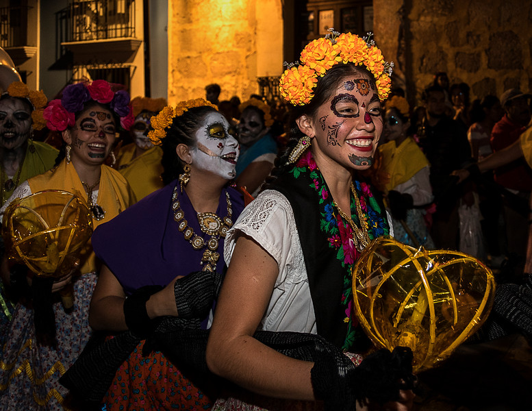 Comparsas (Parades) on Calle Alcala