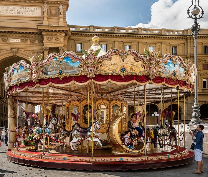 Carousel in the Piazza della Republica - Florence