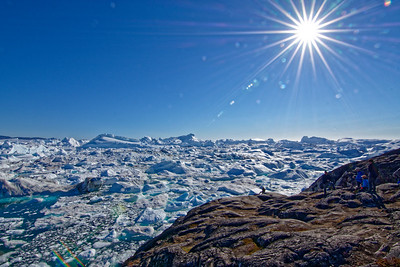 A view of the Ilulissat icefjord from the lookout point.