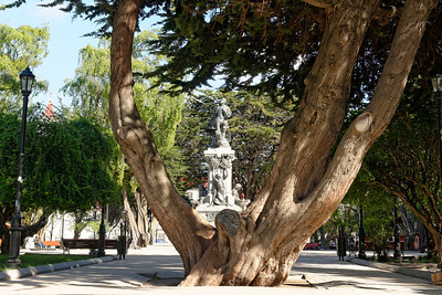 The central park in Punta Arenas, with the statue of Ferdinand Magellan highlighted.
