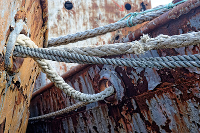 Securing lines on the old sealing vessel at Grytviken.