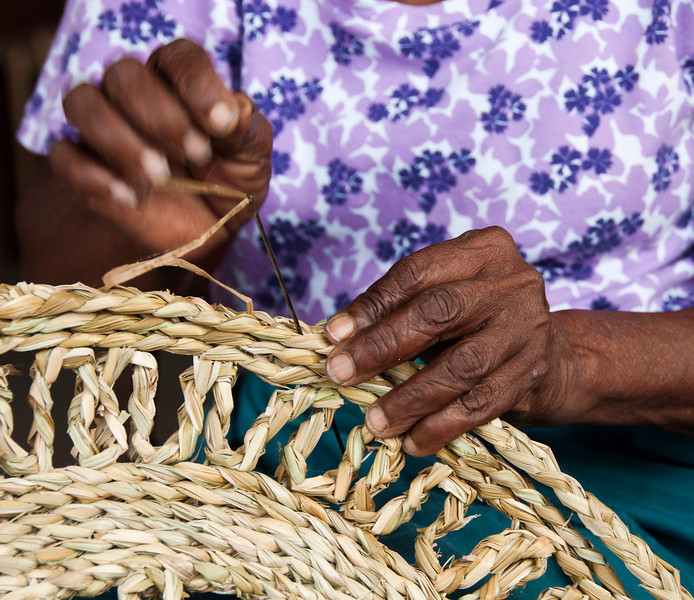 Castries - Vendor's Market - mat maker
