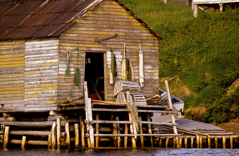 Every fisherman's dream, the complete fishing shack, right on the water.