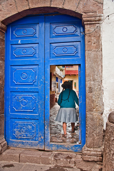 Cusco - The Sacred Valley of the Incas - Pisac Market - Andean Girl