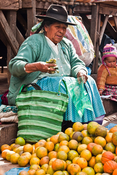 Cusco - The Sacred Valley of the Incas - Pisac Market