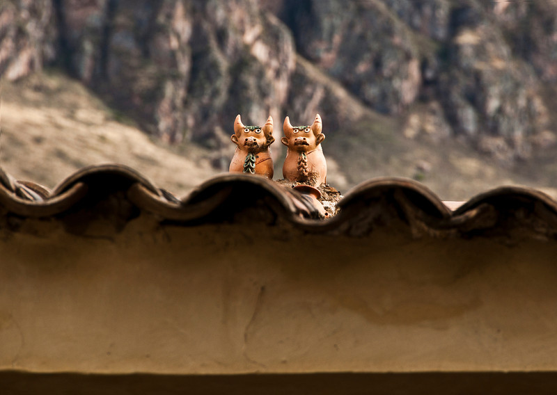 Cusco - The Sacred Valley of the Incas - Archaeological site of Ollantaytambo - good luck symbol on rooftop