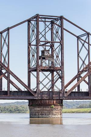 Illinois Central Missouri River Bridge