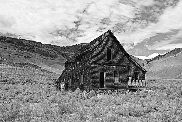 101 ~ Kama Mine house.