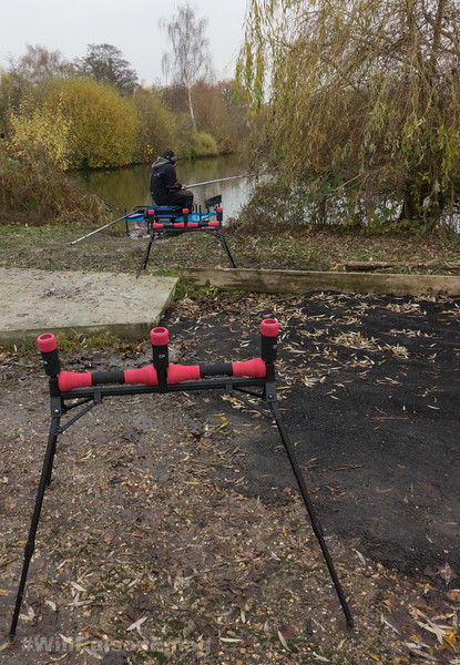 Two well placed rollers are important for long pole fishing.