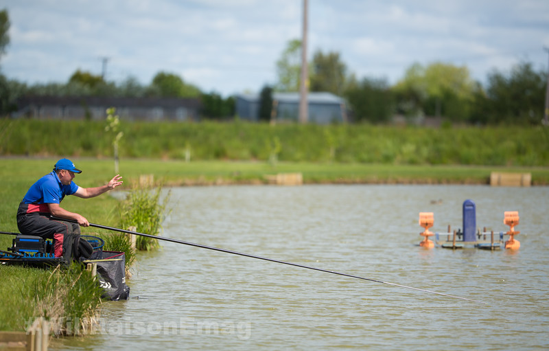 Will Raison loose feeding  by hand while fishing the short pole shallow towards the middle.