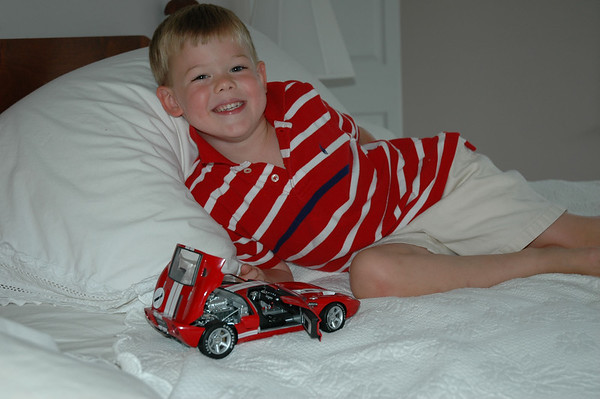 With Die Cast Ford GT (1)