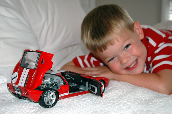 With Die Cast Ford GT (2)