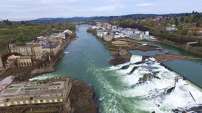2-Flying North over Willamette