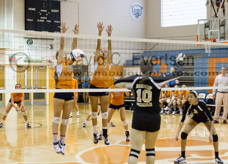 Bishop Moore Hornets @ Boone Braves Grils Varsity Volleyball - 2013 - DCEIMG-6541