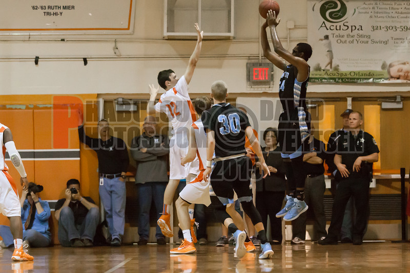 Hagerty Huskies @ Boone Braves Boys Varsity Basketball Regional Championship -  2015 -DCEIMG-7513