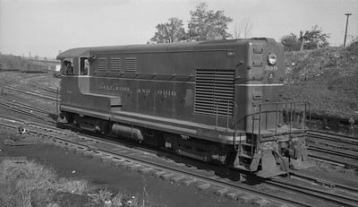 2013.010.BO.D.0300--bill kuba 116 neg--B&O--FM diesel locomotive 300--Baltimore MD--1954 1107