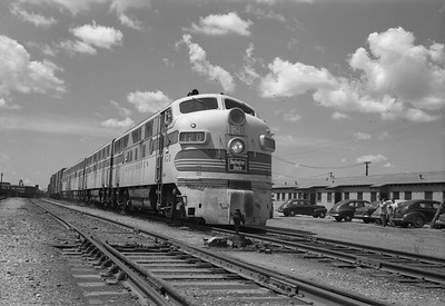 2013.010.CBQ.D.0120A--bill kuba 6x9 neg [RS Plummer]--CB&Q--EMD diesel locomotive 120A--Fort Worth TX--1952 0800