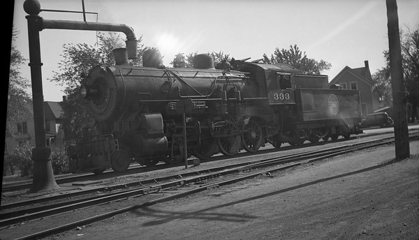 2013.010.CGW.S.0333--bill kuba 116 neg--CGW--steam locomotive 2-8-0 333--Austin MN--no date