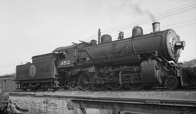 2013.010.CGW.S.0352--bill kuba 3x5 neg--CGW--steam locomotive 2-8-0 352--Council Bluffs IA--1938 1009