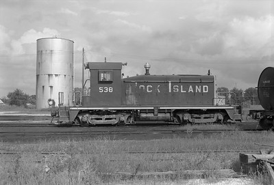 2013.010.CRIP.D.0538--bill kuba 6x9 neg--CRI&P--EMD diesel switcher locomotive 538--Manly IA--1975 0829