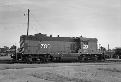 2013.010.FWD.D.0700--bill kuba 6x9 neg--FW&D--EMD diesel locomotive 700--Childress TX--1972 1001