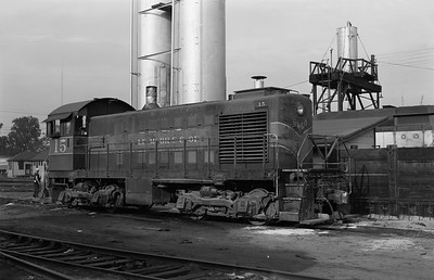 2013.010.GMO.D.0015--bill kuba 6x9 neg--GM&O--ALCO diesel locomotive 15--Bloomington IL--1973 0521