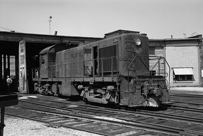 2013.010.GMO.D.0058--bill kuba 6x9 neg--GM&O--ALCO diesel locomotive 58 at roundhouse--Joliet IL--1973 0705