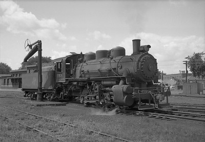 2013.010.CMO.S.0080--bill kuba 6x9 neg--CStPM&O--steam locomotive 0-6-0 M-3 80 scene--Marshfield WI--1952 0000