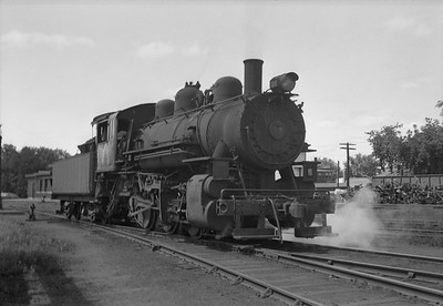 2013.010.CMO.S.0050--bill kuba 6x9 neg--CStPM&O--steam locomotive 0-6-0 M-2 50 scene--Marshfield WI--1948 0422