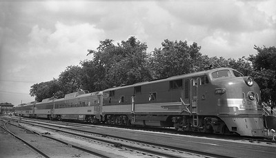 2013.010.EMD.D.0765--bill kuba 116 neg--EMD--EMD diesel locomotive on Train of Tomorrow display train--Peoria IL--1949 0505