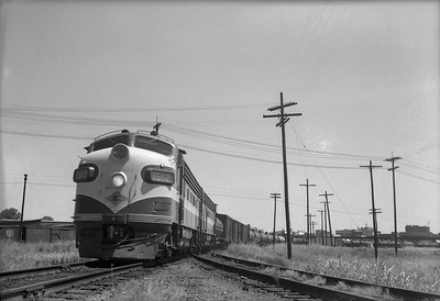 2013.010.TP.D.1512--bill kuba 6x9 neg [RS Plummer]--T&P--EMD diesel locomotive 1512 on westbound freight train--Texarkana TX--1953 0614