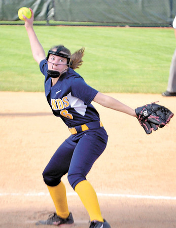 Corey J. Corbin/NEWS<br /> Wilmington's Kayleigh Shenker fires a pitch to the plate in the first inning yesterday.