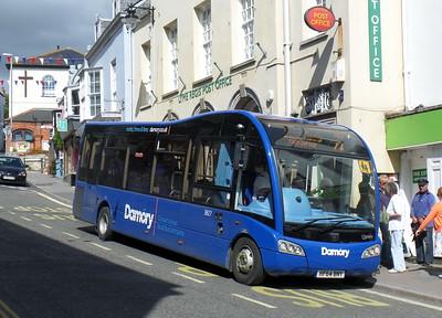 3827 - HF64BNY - Lyme Regis