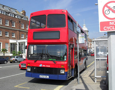 4752 - R752GDL - Weymouth (King's Statue) - 2.9.10